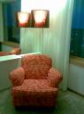 Stol och lampa